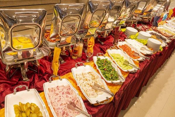 صبحانه هتل کیانا مشهد